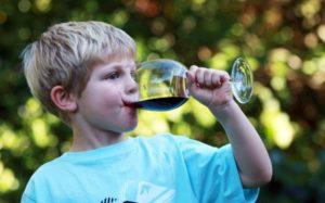 Детский алкоголизм и наркомания