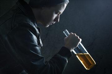 Как проявляется алкогольная ломка: симптомы, лечение